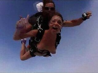 Nude Girls Skydiving!